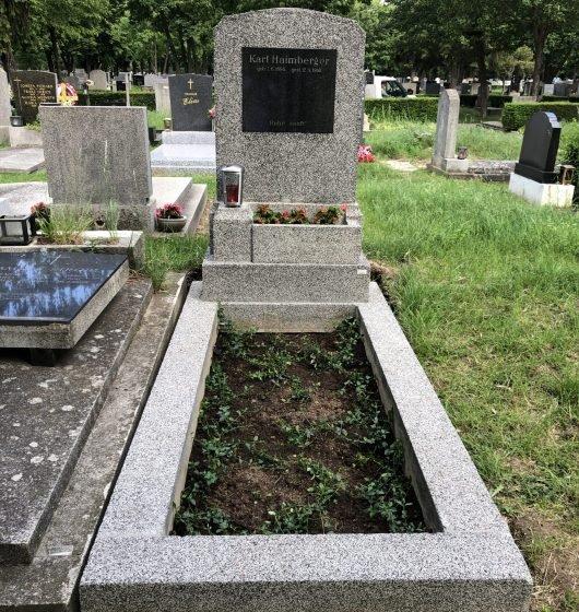Grabsteine POSCH gereinigtes Grab